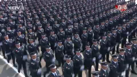 文职人员方队:首次亮相阅兵盛典