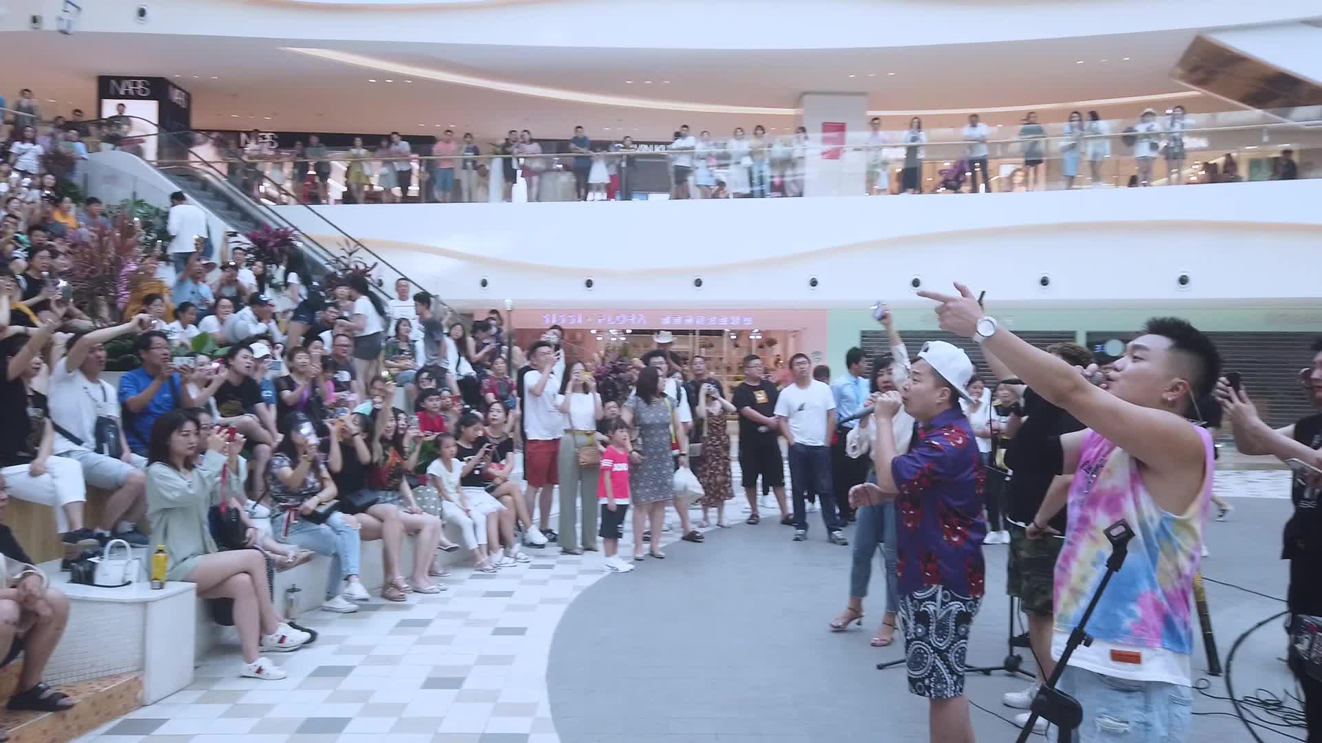 长安里商场公演《我爱你中国》