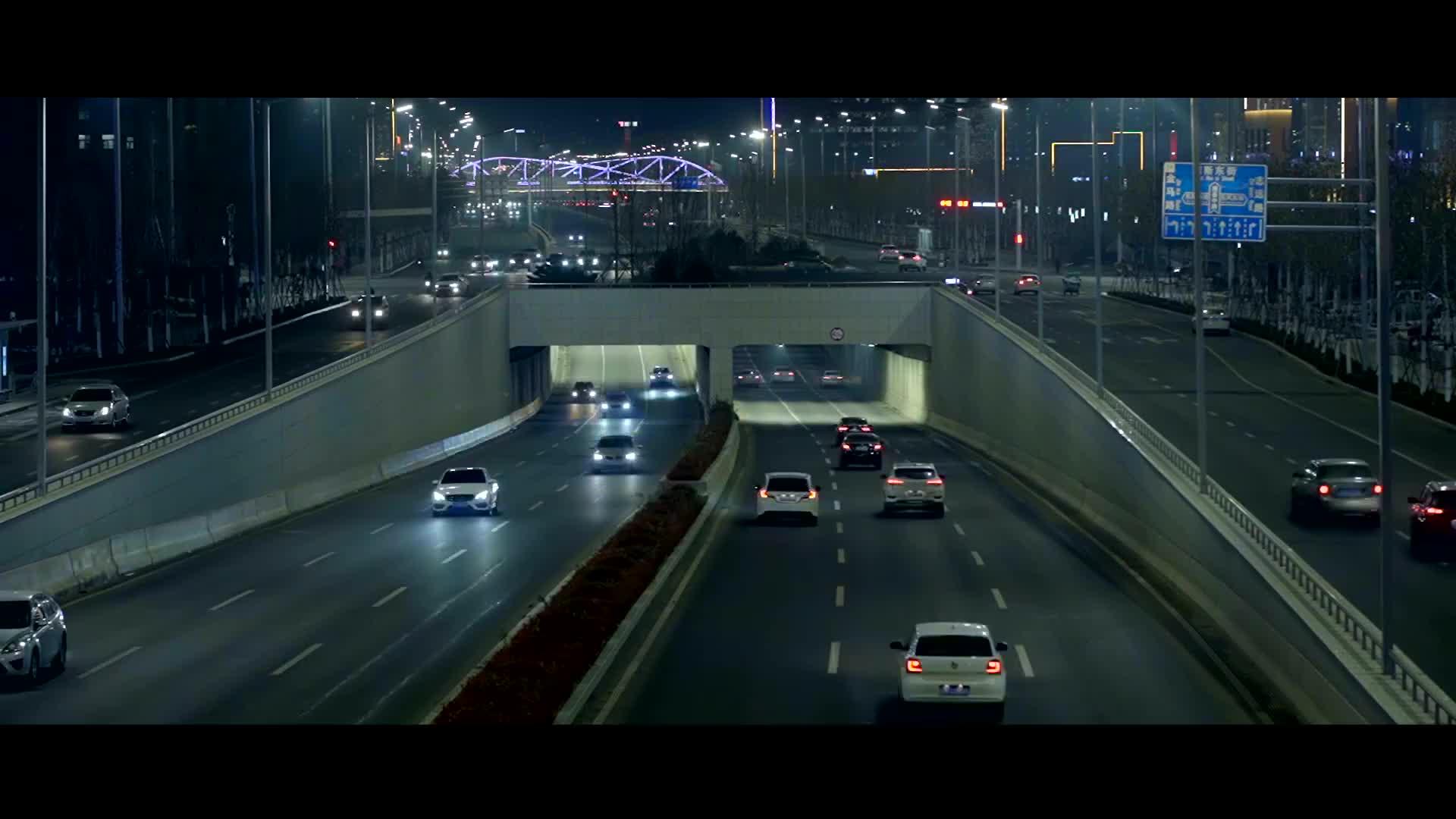 原创MV《一抹红蓝》致敬全国所有的交通警察!