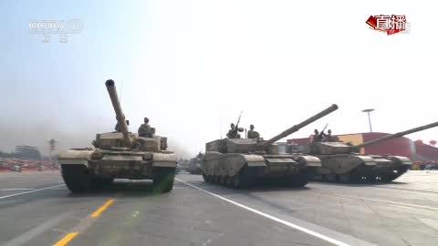 """坦克方队:新一代""""陆战之王""""亮相国庆阅兵"""