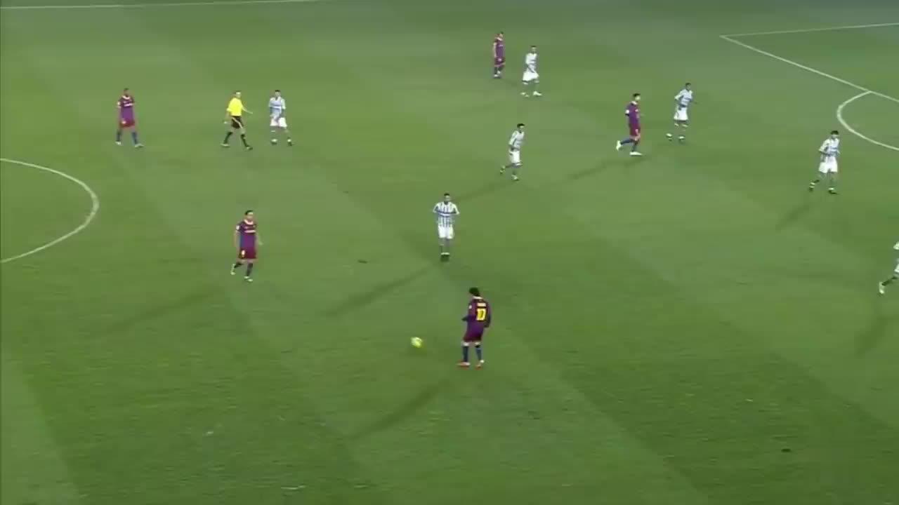 浑身都是假动作,不碰球都能把对手骗的找不到北,球王梅西的实力